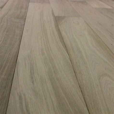 pavimento legno grezzo pavimento in legno grezzo interesting parquet in bagno