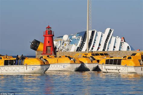 dream boat online free costa concordia accident pictures of cruise ship sinking