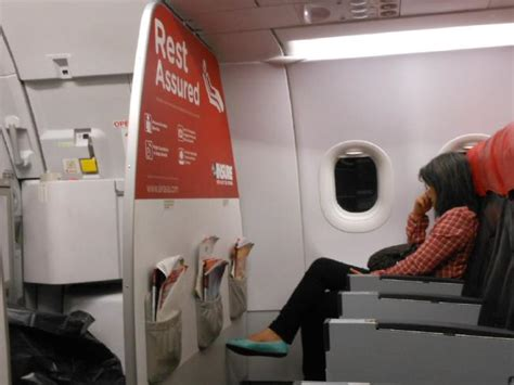 bulkhead seats in airplane airplane seat hacks how to score the best plane seat