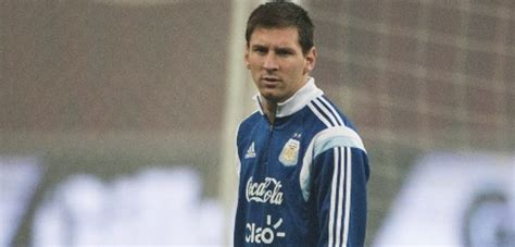 lionel messi biography francais lionel messi se sum 243 a los entrenamientos de argentina de
