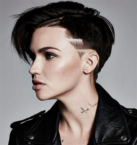 pixie cut with razor comb 325 best short hair cuts for women images on pinterest