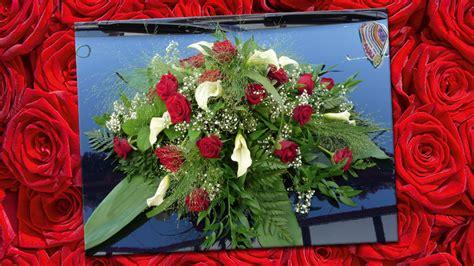 Hochzeitsschmuck Auto Blumen by Blumen Peters Hochzeit