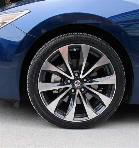 Is The Nissan Maxima All Wheel Drive by 2016 Nissan Maxima Review Wheels Ca