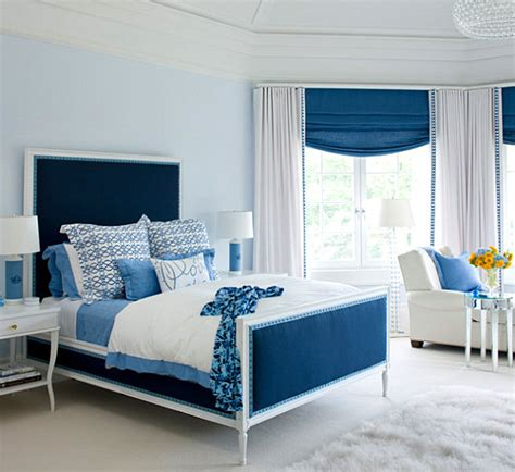Contemporary Bedroom Decorating - shades of blue for a powerful interior