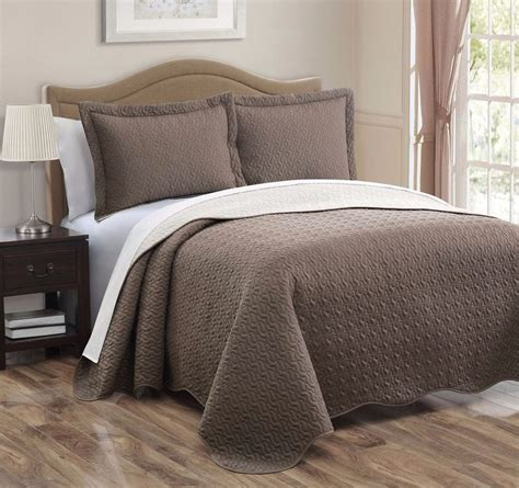 king size bed spread 3 piece taupe ivory pinsonic quilted reversible bedspread