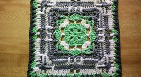 knit and crochet daily free pattern this square design is absolutely