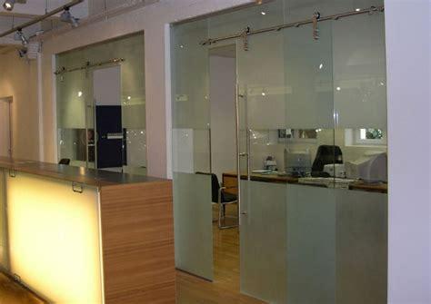 cloison de en verre halls d accueil macocco verres doubles vitrages isolants