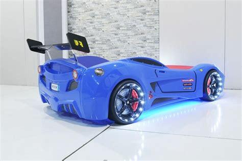 Merveilleux Tapis Chambre D Enfant #7: Cool-idée-pour-le-lit-voiture-formule-1-lit-chambre-enfant-F1-bleue-car-lit.jpg
