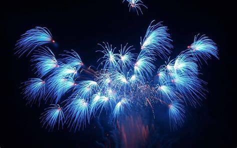 imagenes figurativas artificiales fuegos artificiales azules im 225 genes y fotos