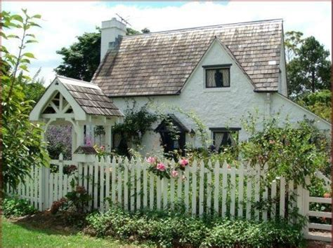 cute cottage homes cottage cute house exterior fence flowers garden