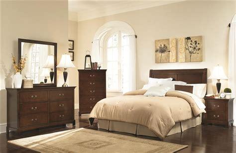tatiana silver finish bedroom furniture tatiana 4 pc bedroom set in warm brown finish by coaster