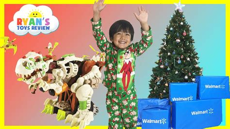 christmas presents that start with r toys opening presents walmart top toys chosen by