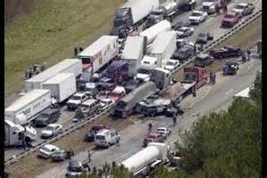Accidents In Tx 100 Car Crash Kills 2 In On Thanksgiving Motor