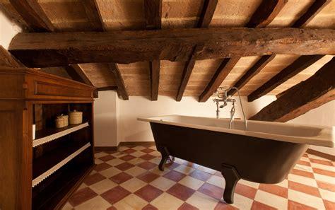 bagno in mansarda vasca da bagno in mansarda tutto su ispirazione design casa