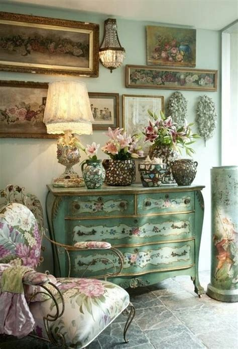 Shabby Chic Interior Design Distressed Chest Of Drawers Shabby Chic Interior Design