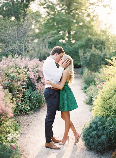 Engagement Pictures by Picture Of Cool Engagement Photo Ideas 23