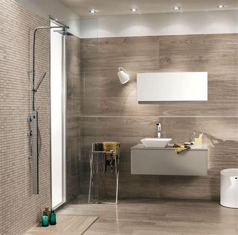 rivestimento bagno legno idee bagno piccolo rivestimenti effetto legno signature