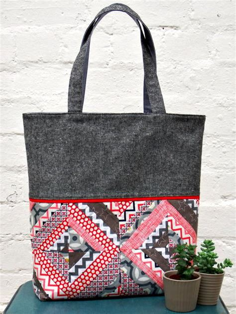 tutorial videos for quilting and tote bags string patchwork tote tutorial favequilts com