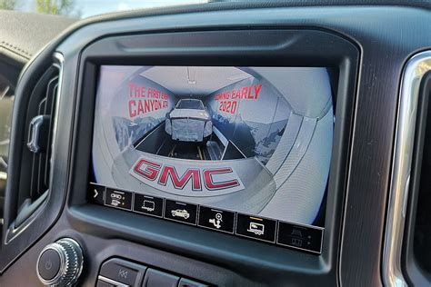 gmc canyon  teased motor illustrated