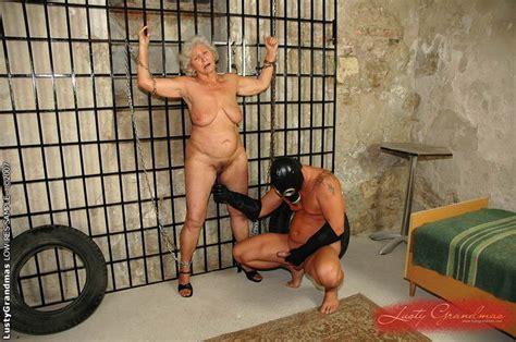 Free videos on line grandma sex