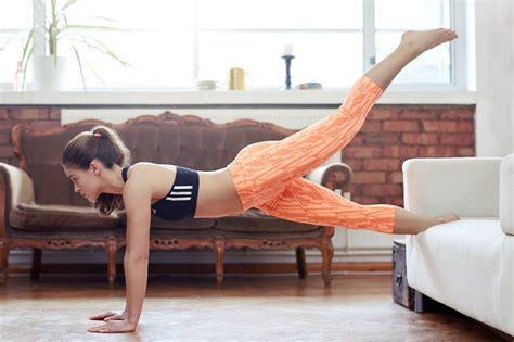 palestra in casa esercizi gli esercizi fitness da fare a casa mode