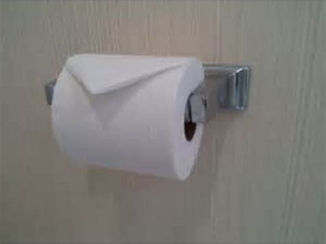 how to hang toilet paper how to properly install toilet paper youtube