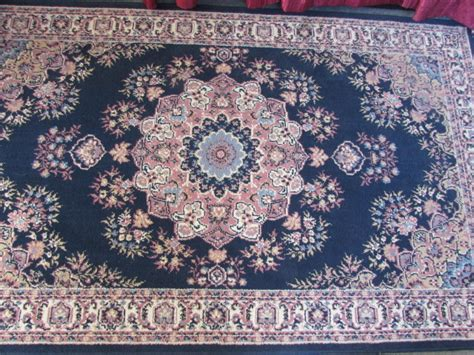 lot detail pretty area rug with floral pattern
