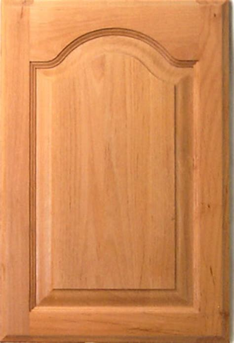 Raised Panel Kitchen Cabinet Doors by Colonial Raised Panel Cabinet Door In Cathedral Style