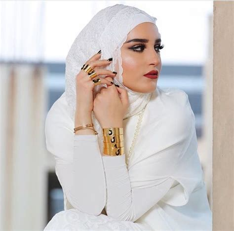 Abaya Borsam Naga 17 best images about islamic chic on niqab abayas and hussein chalayan