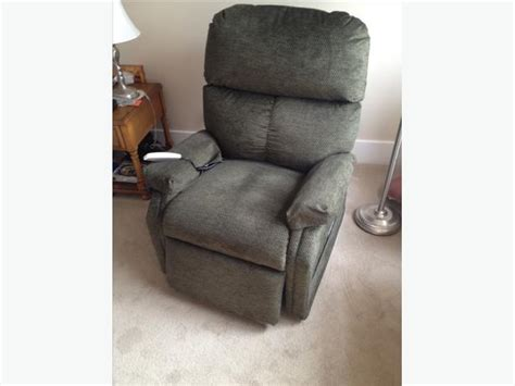 electric lift recliner chair lazy boy type east regina