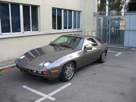 how to sell used cars 1985 porsche 928 engine control johnnyjr1000 1985 porsche 928 specs photos modification info at cardomain