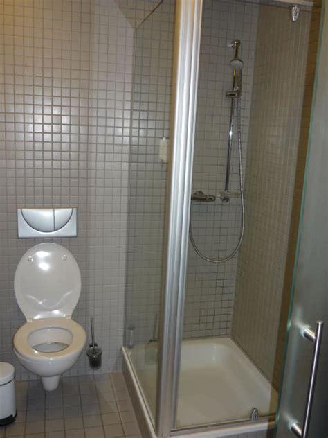 kleine dusche zeitgen 246 ssisch kleine dusche ideen f 252 r b 228 der g 228 ste wc mit