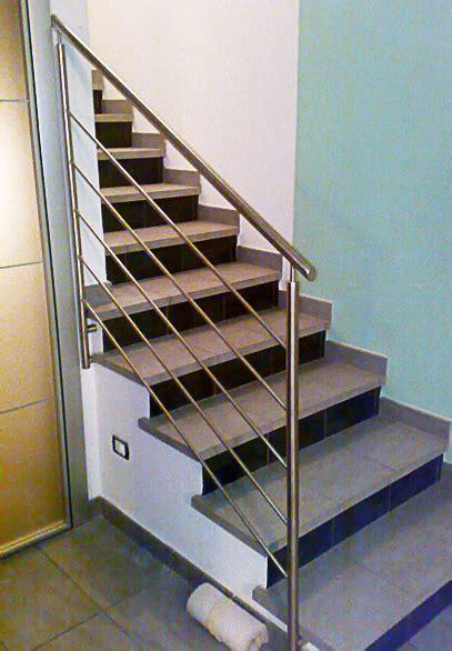 corrimano per scale lavorazione acciaio inox su misura cancelli corrimano