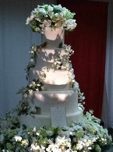 twilight wedding cake idea   bella wedding