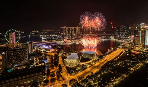new year fireworks singapore 2018 new year s fireworks and a carnival at marina