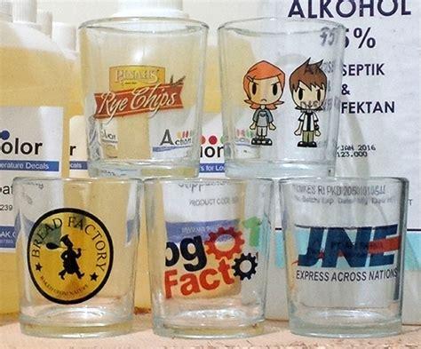 Gelas Plastik Untuk dekorasi gelas souvenir dengan kertas decal