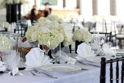 table centerpieces for weddings city blossoms late afternoon wedding on the atlantis yacht