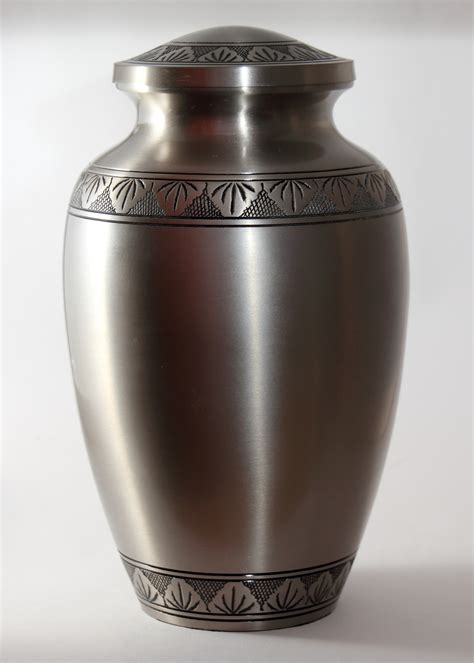Urn Planters Cheap by Urns Image Mag