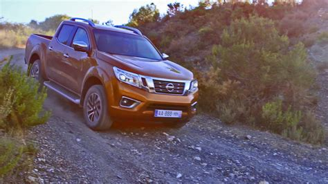 nissan navara 2017 offroad 2016 nissan navara np300 off road driving youtube
