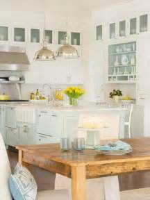 if you are decorating a coastal or beach house or just want a piece 32 amazing beach inspired kitchen designs digsdigs