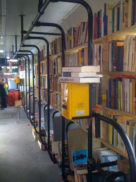 libreria l aquila scuole nei container all aquila la libreria arriva in
