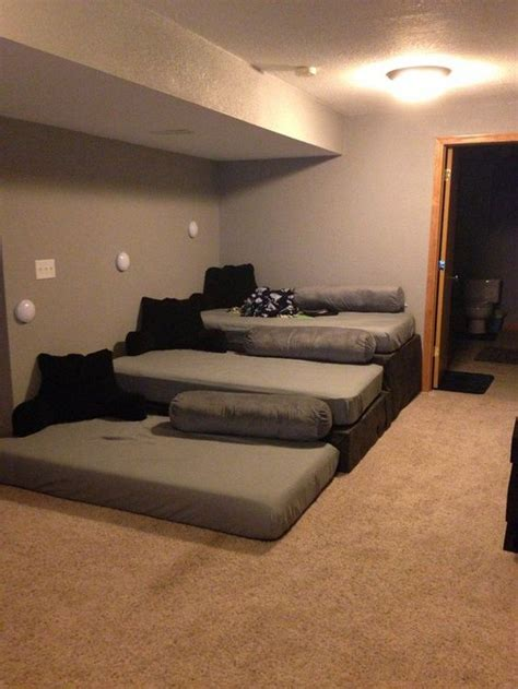 build   theater sofa  pallets diy projects
