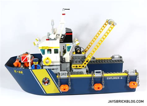 how to make a lego minecraft boat review lego 60095 deep sea exploration vessel jay s