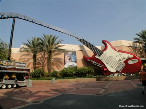 hollywood studios north little rock rock n roller coaster starring aerosmith courtyard