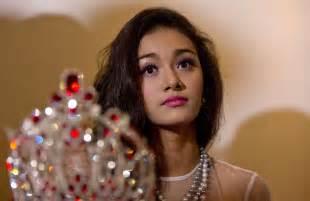 La Makeup Schools Dethroned Myanmar Beauty Queen Blasts Pageant Boss Entertainment News Us News