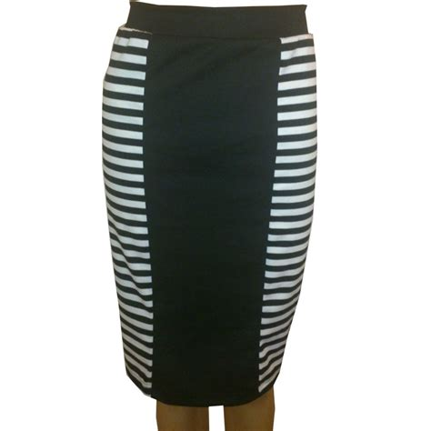 black and white pencil skirt pictures