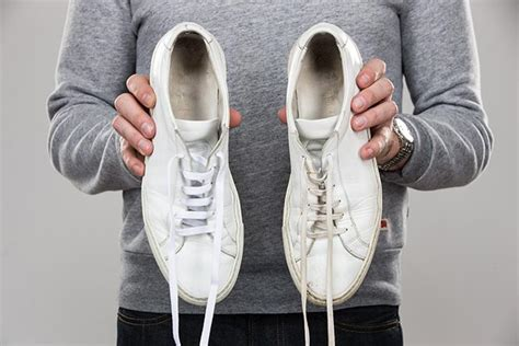 how to clean white leather shoes 28 images how to