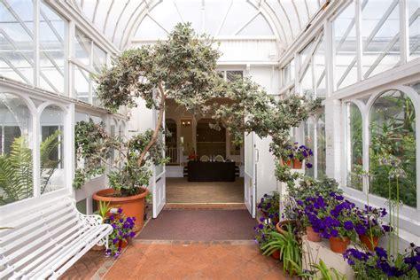 9 Quirky Wedding Locations In The Midlands Juicy Jackets Botanical Gardens Edgbaston