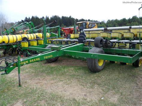 Deere 7240 Planter by 1991 Deere 7240 Planting Seeding Planters