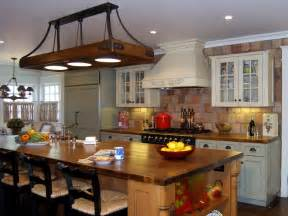 Kitchen Design Traditional kitchen traditional lori gilder the traditional kitchen incorporates